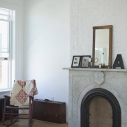 I love the simplicity of this mantle.
